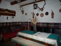 Na predaj murovanú chatu v chatárskej časti Dérerov Mlyn, pri obci Janova Lehota – realitná kancelária Xemar