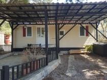 Na predaj rekreačný dom s terasou v chorvátskom prímorskom mestečku Pirovac – realitná kancelária Xemar