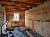 Na predaj rodinný dom s obytnou prístavbou, garážou, 1,57 ha pozemkom- Stožok – realitná kancelária Xemar