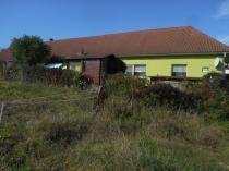 Stavebný pozemok v Môťovej pre váš bungalov, ZV - 388 m2 – realitná kancelária Xemar