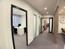 Na prenájom LUKRATÍVNE kancelárske priestory BB-centrum – realitná kancelária Xemar