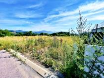 Na predaj stavebný pozemok v novej štvrti, BB- Suchý vrch – realitná kancelária Xemar