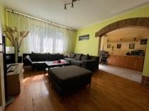 REZERVOVANÉ Svetlý 2-izb. byt s lodžiou - Vetvárska ul. ( MČ Pod. Biskupice ) – realitná kancelária Xemar