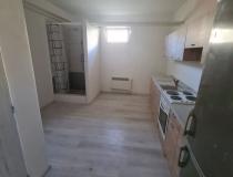 Ponúka ubytovanie pre minimálne 8 osôb v 3 izb. byte v Banskej Bystrici – realitná kancelária Xemar