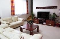 Iba u nás!!Nadštandardný 4-izbový mezonetový byt vo Vajnoroch – realitná kancelária Xemar