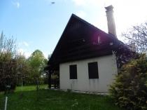 Na predaj rekreačná chata vhodná aj na trvalé bývanie- Detvianska Huta- Bratkovica – realitná kancelária Xemar