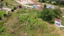 Rozľahlý pozemok neďaleko centra Banskej Bystrice. – realitná kancelária Xemar
