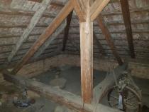 Na predaj rodinný dom  s hospodárskou budovou a pozemkom v obci Korytárky – realitná kancelária Xemar
