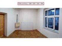 Na prenájom priestory v historickom objekte v centre mesta Banská Bystrica – realitná kancelária Xemar
